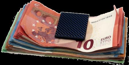 Geldscheine in Klammer